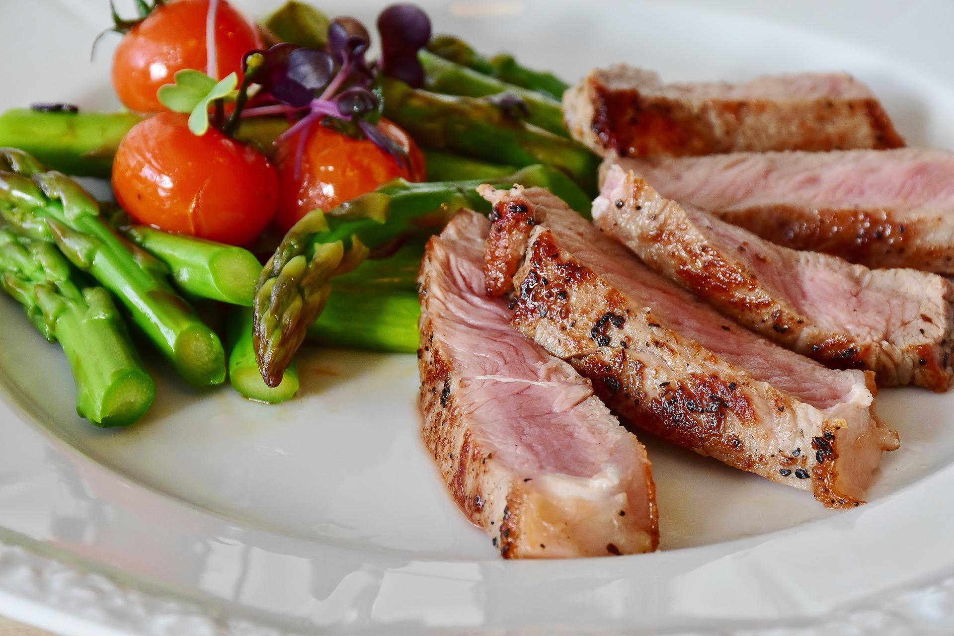 Low Carb Gericht - Spargel und Kalb
