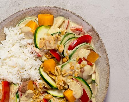 Süßkartoffel Erdnuss Curry mit Reis