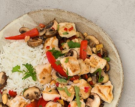 Asiatische Hähnchen Pfanne mit Reis