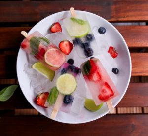 Kokoswasser Popsicles gesund