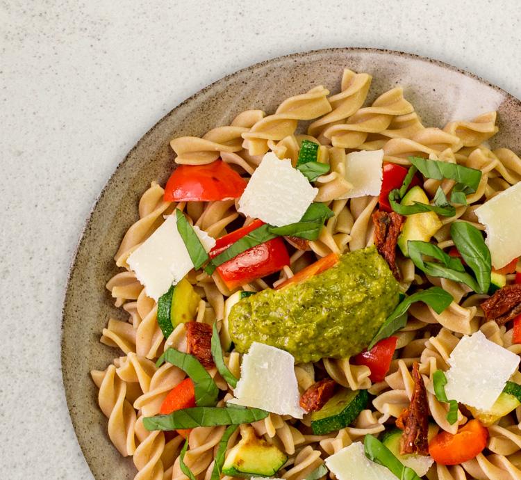 Pestonudeln mit Gemüse