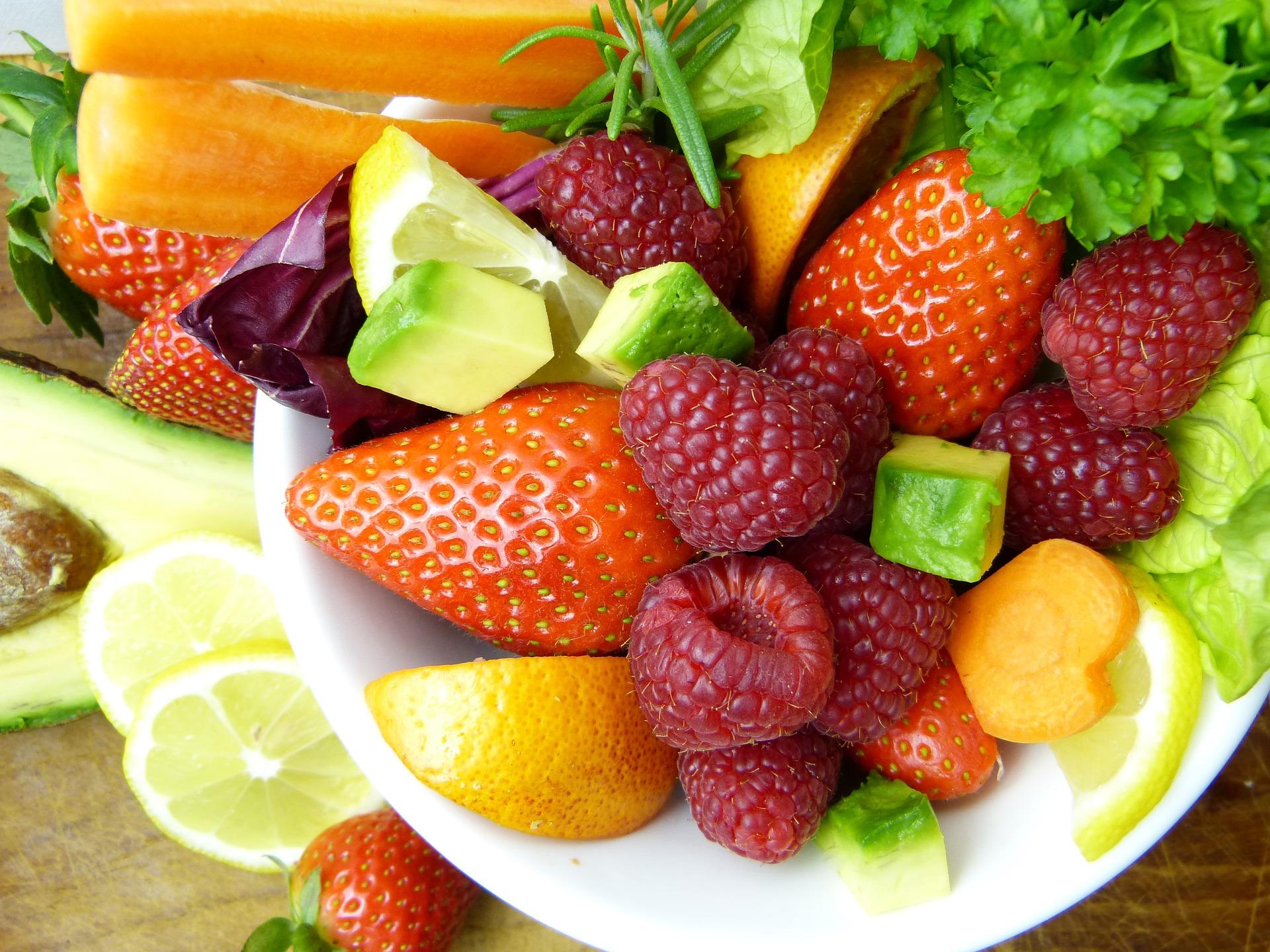 gesunde Snacks: Obst und Gemüse