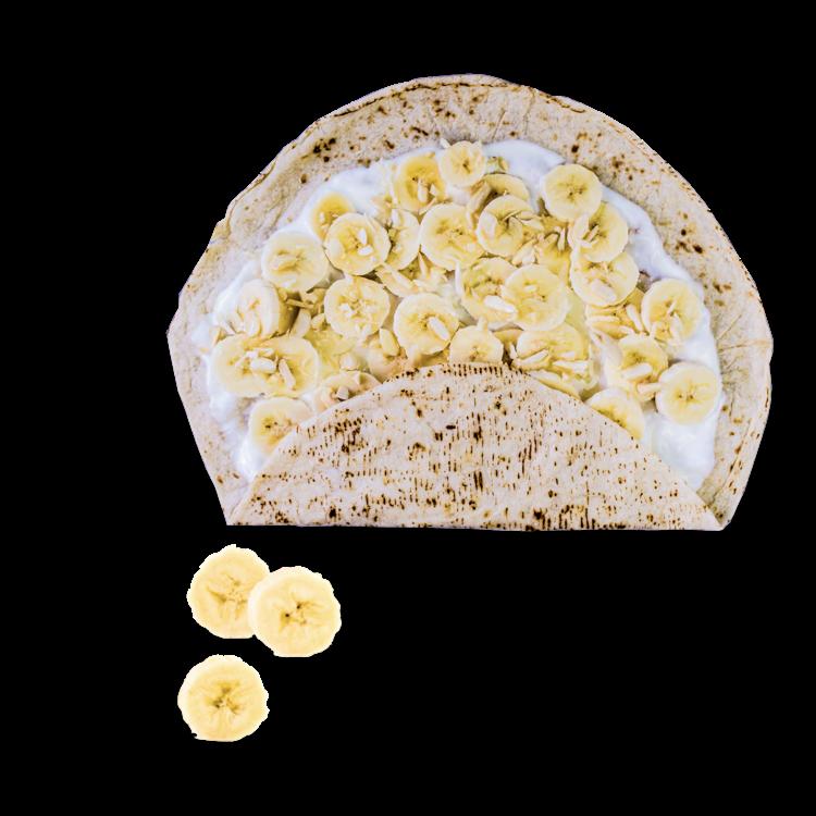 Wer hat denn gesagt, dass Wraps nur herzhaft belegt werden dürfen? Als süßes Dessert eignen sich frische Tortilla-Wraps mindestens genauso gut. Wir bestreichen den Tortilla-Wrap mit <b>mildem Joghurt</b>, der für angenehme Frische sorgt. Belegt wird das Ganze mit Bananenstücken. Darüber träufeln wir etwas <b>Agavendicksaft</b> und <b>crunchy Mandelstückchen</b>. Der Banana Wrap kommt frisch gerollt zu dir und macht garantiert happy, Bissen für Bissen.