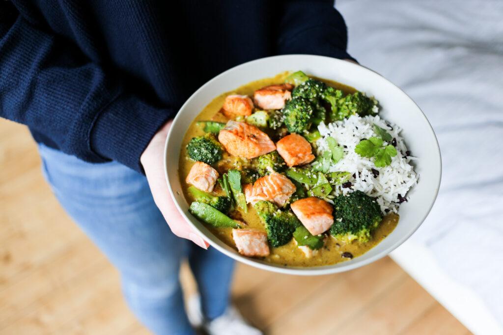 Curry mit Kokosmilch bei taste&soul: Green Lemongrass Salmon Curry
